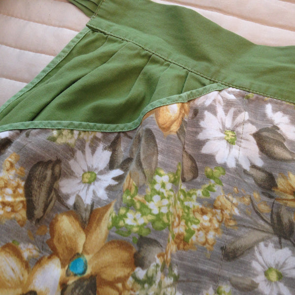 Vintage 50's Apron ~ Beautiful Prints & Fabric ~ Charming - Pink Peacock  - 10