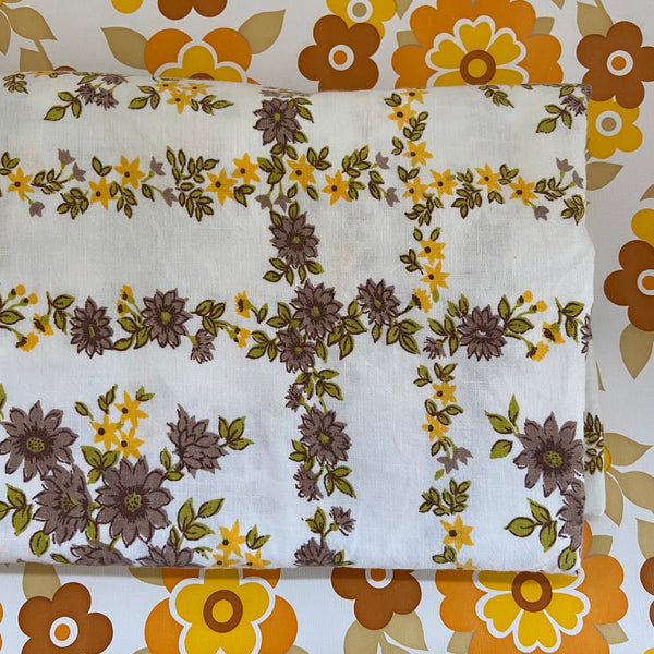 Bright Floral Cotton Sheet Vintage Fabric Sewing Craft Quilting