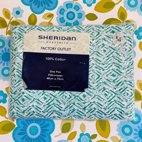 Sheridan Vintage Cotton Green UNUSED Old New Stock Pillow Cases