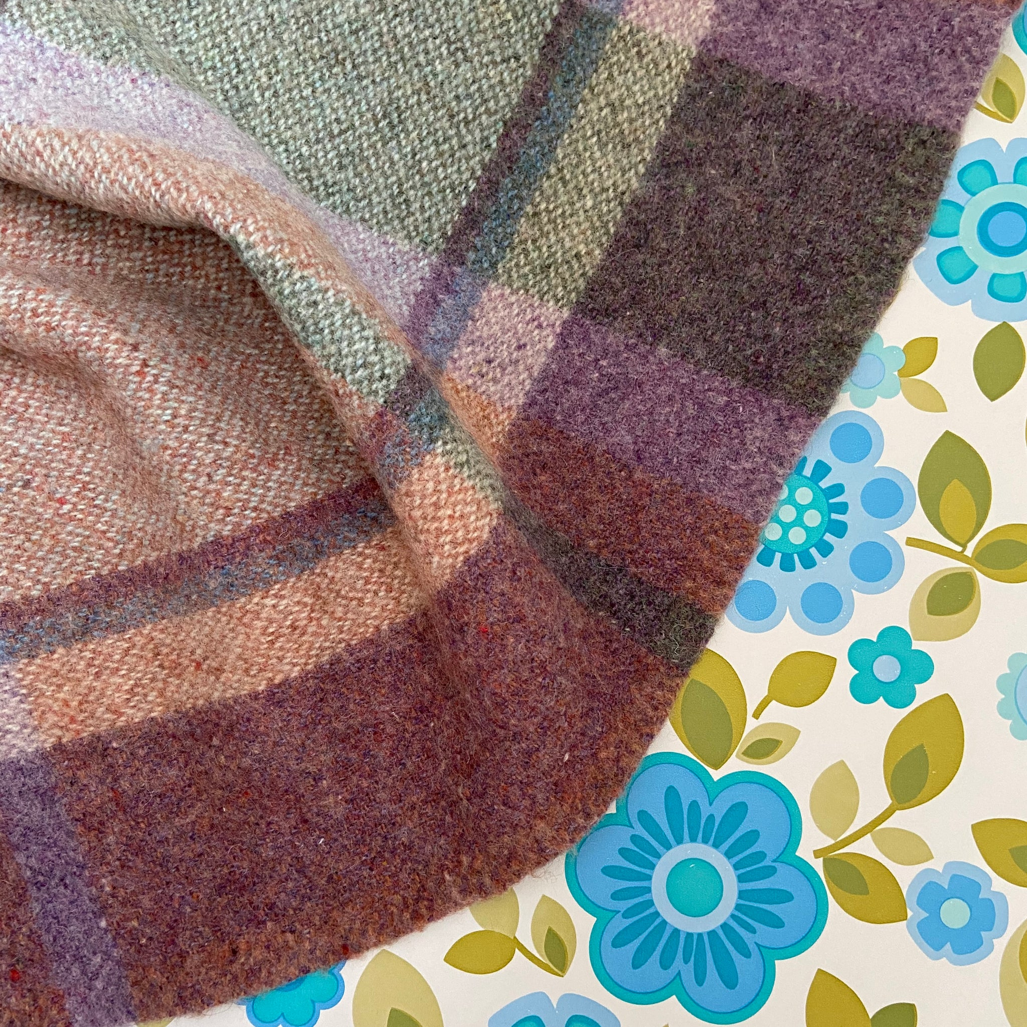 Beautiful Vintage Blanket Lovely Unique Colours Great Condition