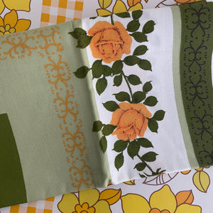 All Cotton Floral Table CLOTH 60's Pretty Caravan