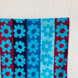 Unused Tag BATH TOWEL RETRO VINTAGE 70s/80s Blue Flower POWER