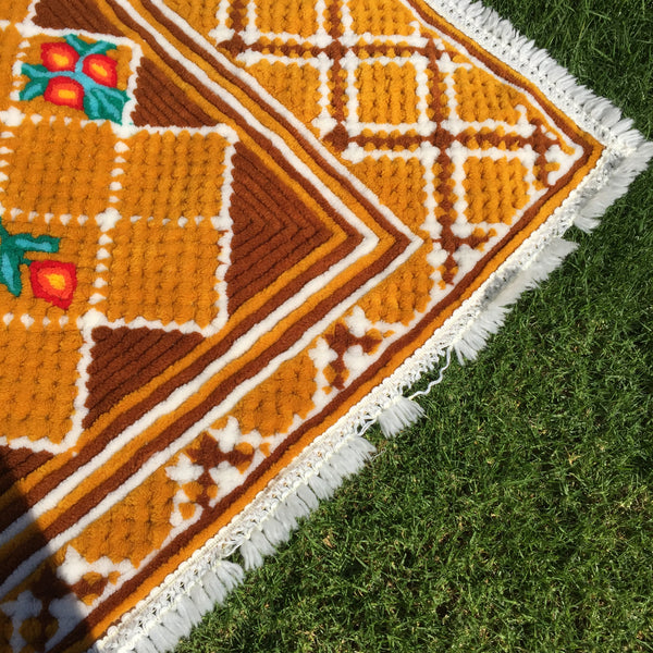 One of a Kind VINTAGE Chenille Blanket RUG Bedspread AMAZING!!! Antique Quilt