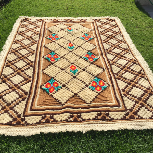 PERFECT!!!! One of a Kind VINTAGE Chenille Blanket RUG Bedspread Antique Quilt