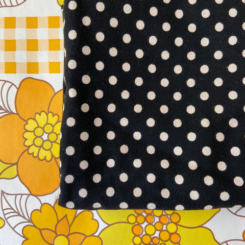 Classic Black & White POOLKA Dot Fabric Vintage Craft 360cms