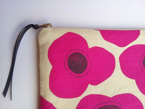 Poppies Pouch - Perfect Clutch Make Up Bag - Pink Peacock  - 2