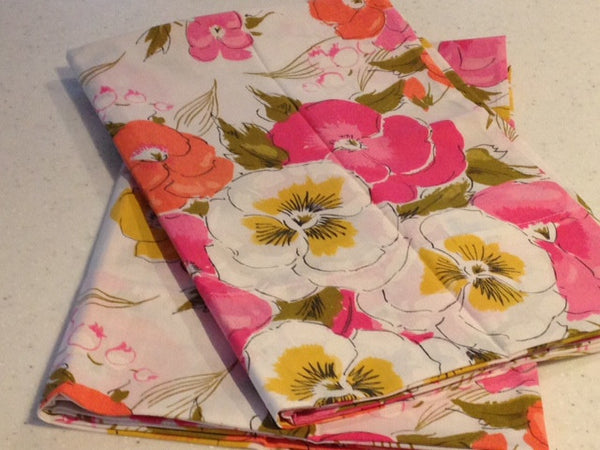 A Pair of VINTAGE Sweet Bright Floral Pillow Cases Cotton - NEW Label - Pink Peacock  - 4