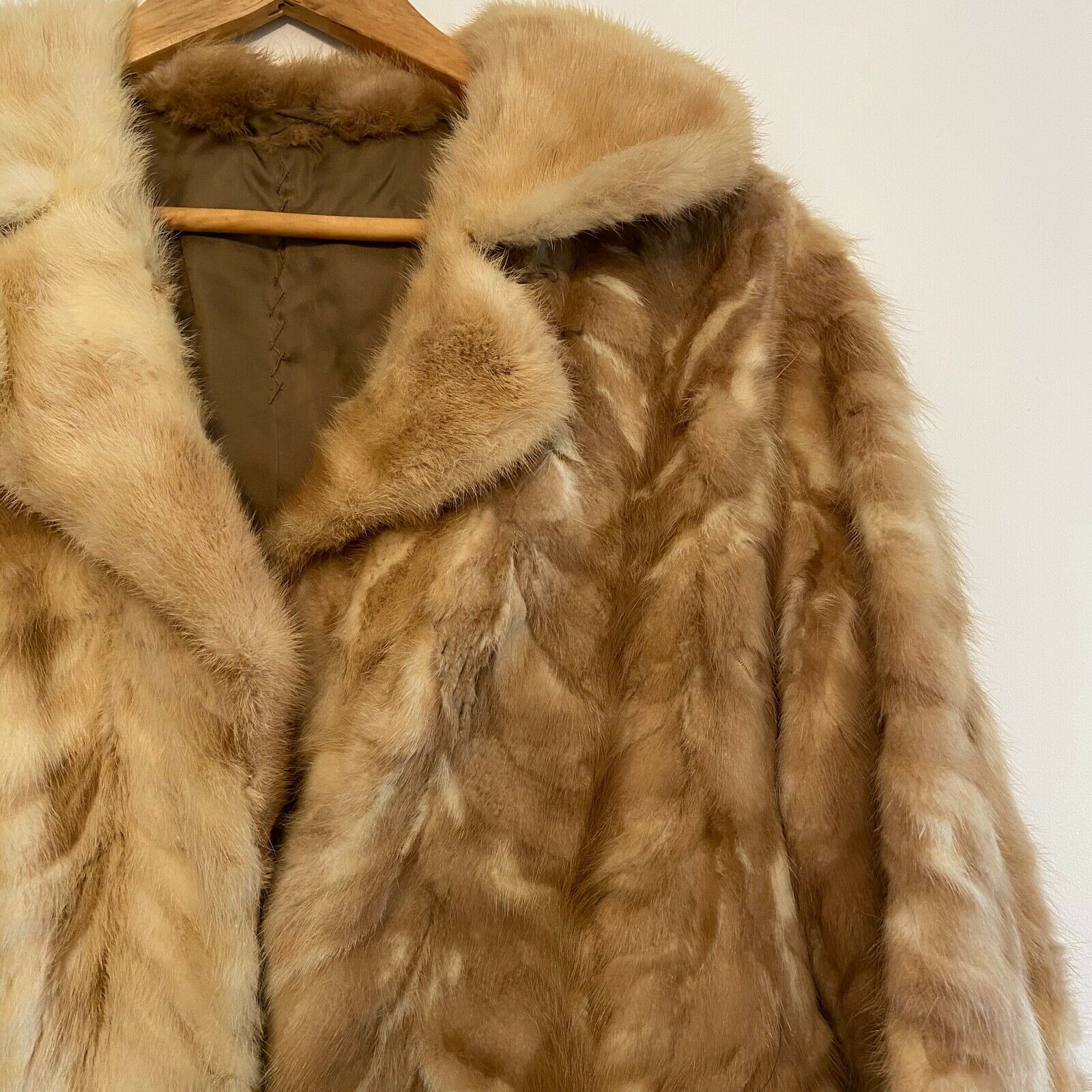 VINTAGE MID CENTURY LADIES FUR LONG JACKET COAT Stunning Soft Clean