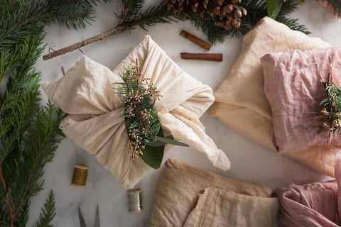 CREATIVE WAYS TO REDUCE WASTE THIS HOLIDAY SEASON