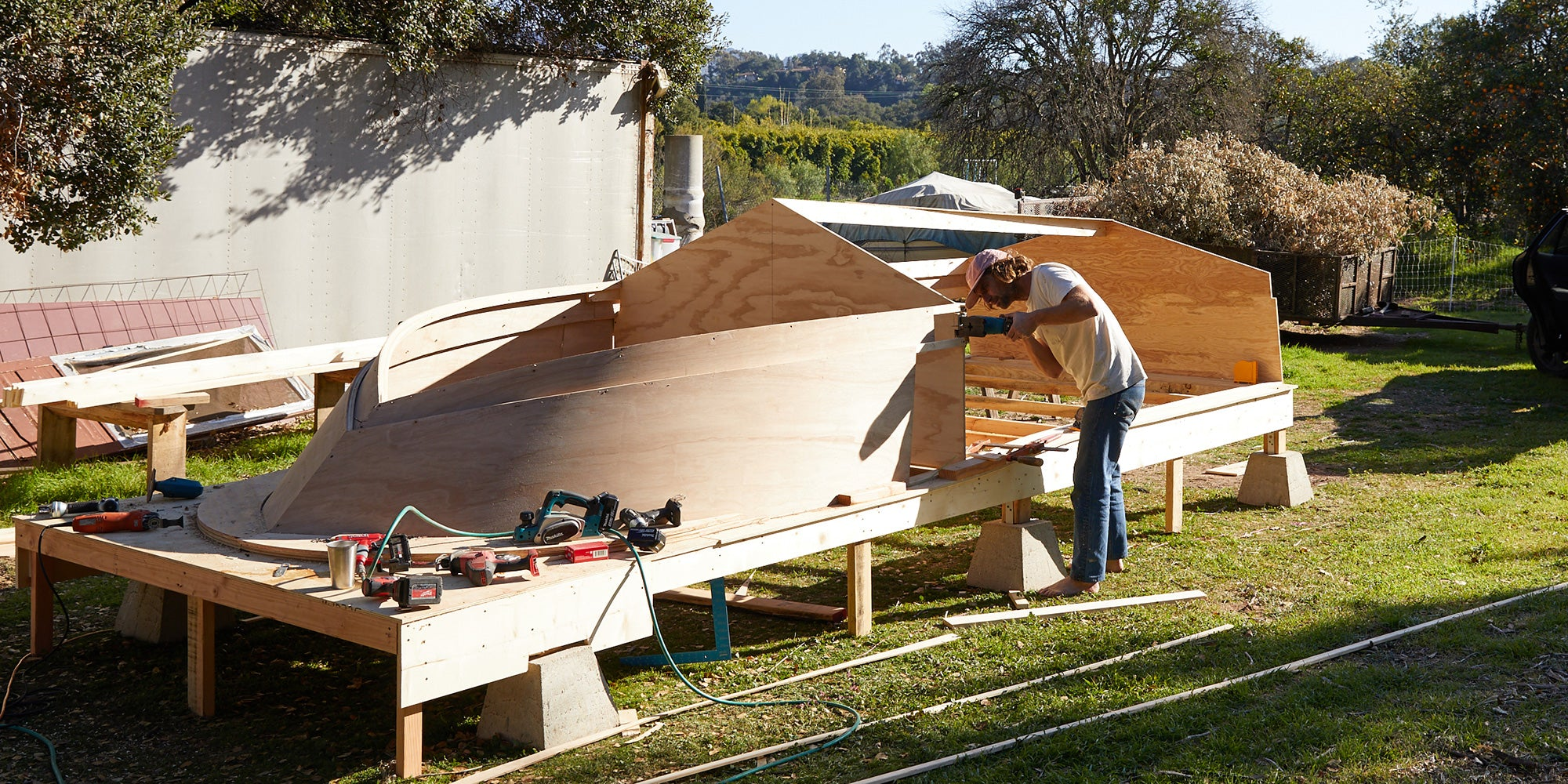 Jay Nelson Builds a Boat