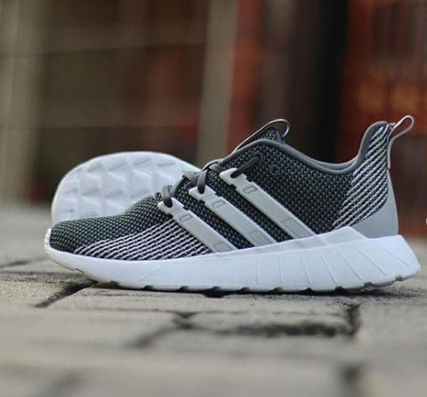 Adidas QUESTAR FLOW Dark Grey White .