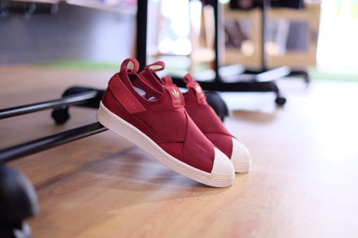 more photos e72fd 5379c Adidas Superstar Slip On Maroon || (Size Women Complete)