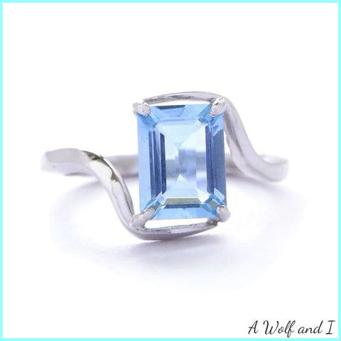 Aquamarine White Gold Engagement Ring