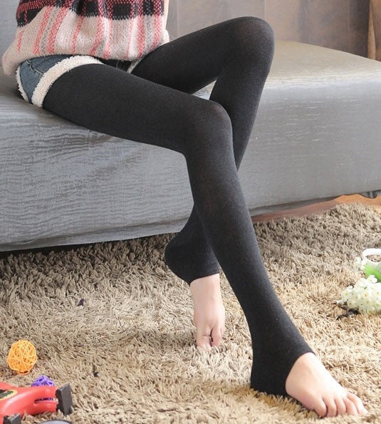 9463ee51772 Black Tights for Cool Weather