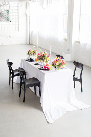 Tablecloth and Table linens in White for Weddings