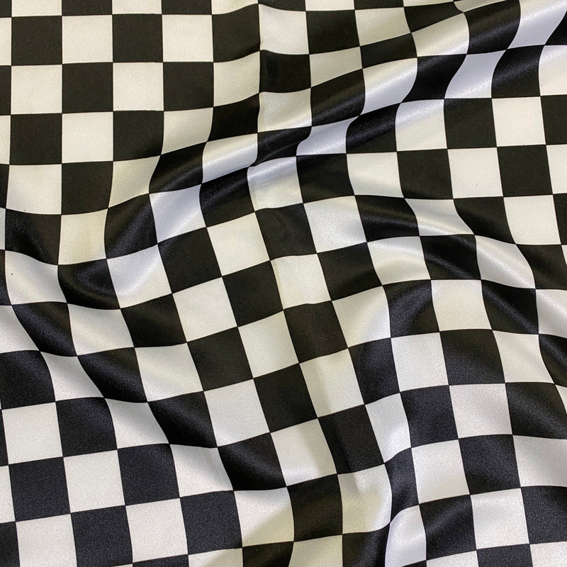 "Lamour Prints Table Runner in 1""x1"" Checker"