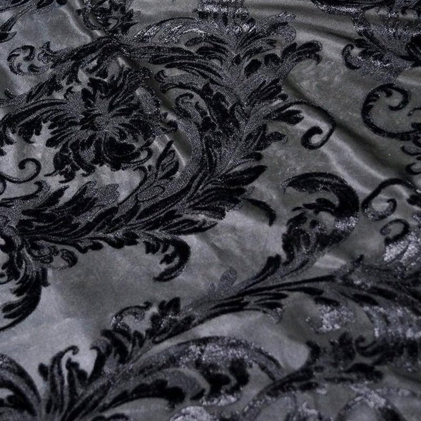 Victorian Jacquard Sheer Table Linen in Black