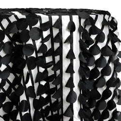 Funzie (Circle Hanging) Taffeta Table Linen in Black and White