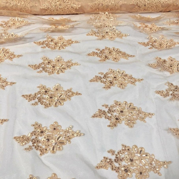 Venetian Lace Table Linen in Champagne