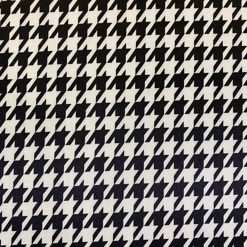 Lamour Print Table Napkins in Houndstooth