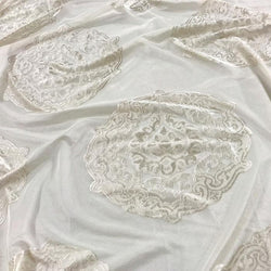Medallion Jacquard Sheer Table Linen in Ivory
