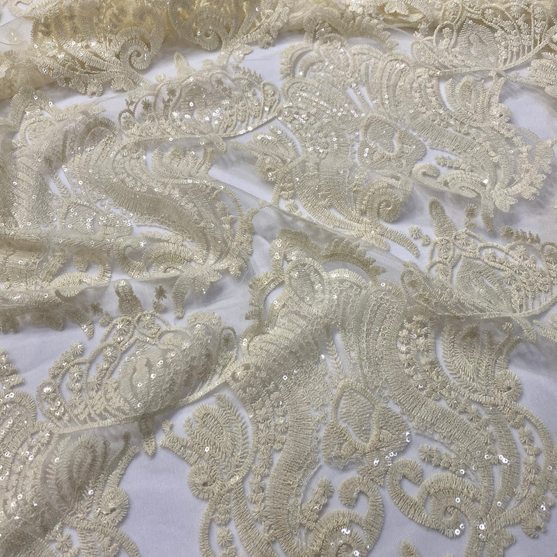 Princess Lace Table Runner in Ivory