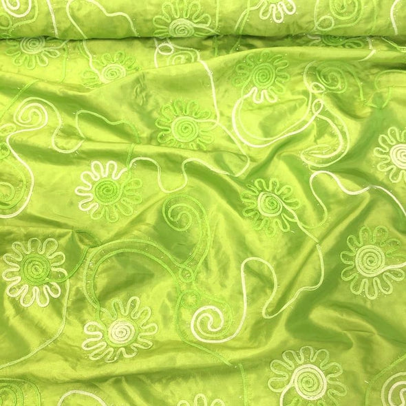 Eyelash Embroidery Table Runner in Lime