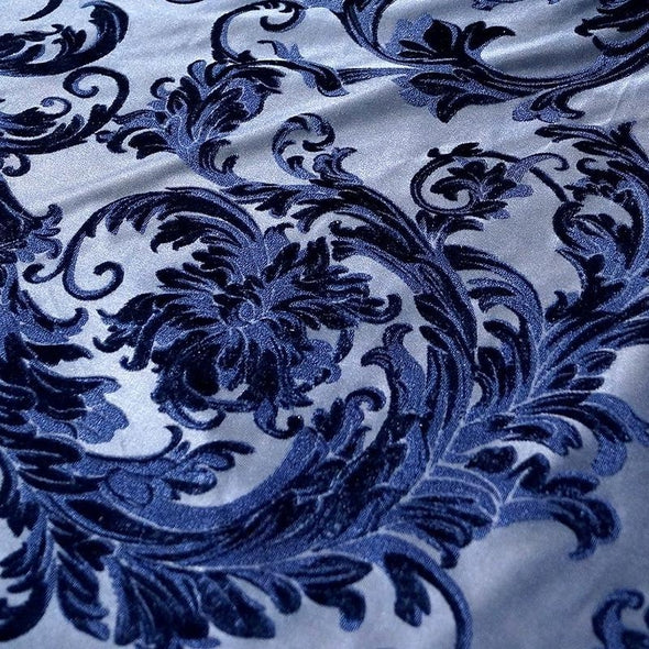 Victorian Jacquard Sheer Table Linen in Navy