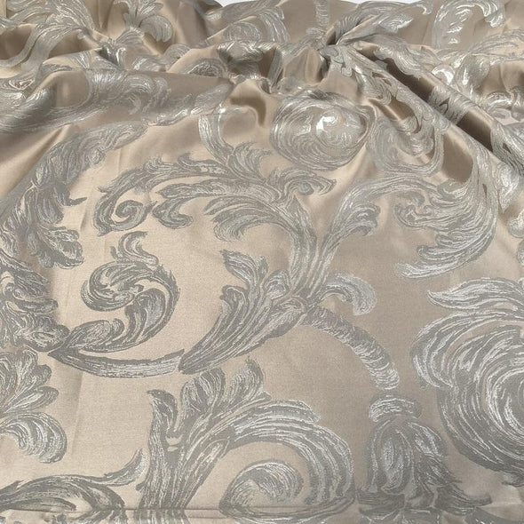 Florence Jacquard Table Runner in Silver and Grey