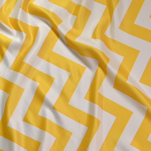 Chevron Print (Lamour) Table Runner in Yellow and White
