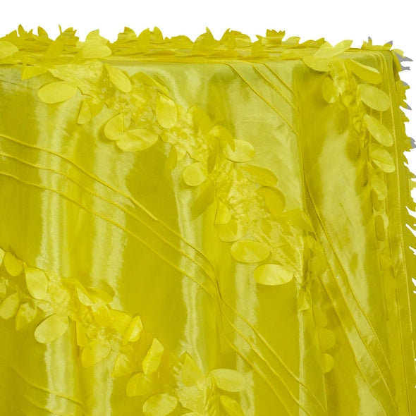 Diagonal Taffeta Table Linen in Yellow