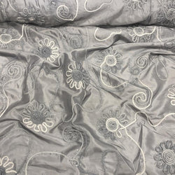Eyelash Embroidery Table Linen in Silver