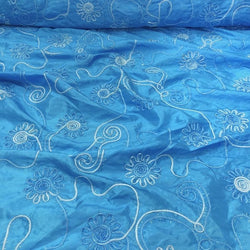 Eyelash Embroidery Table Linen in Turquoise