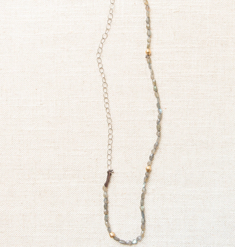 zzVagabond Labradorite Necklace
