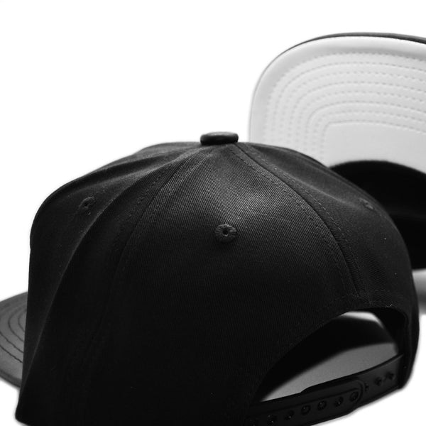 6P BLVCK/ LEATHER BLVCK W. WHITE UNDERBRIM