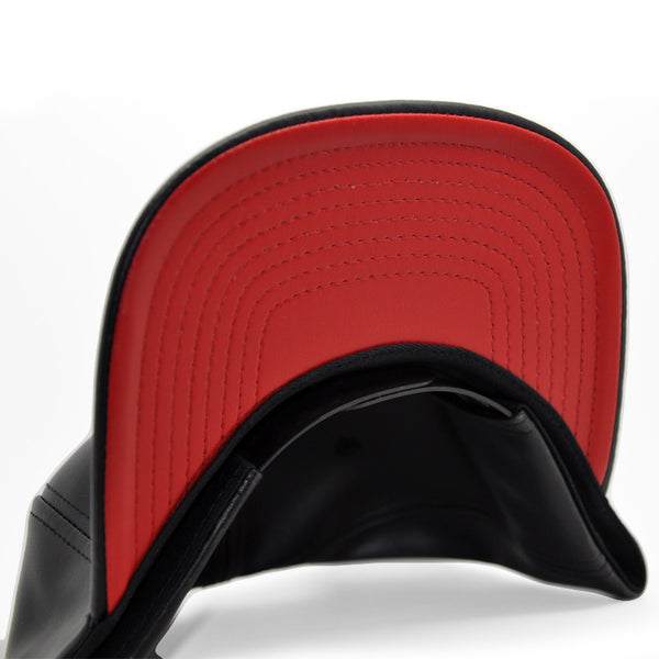 6P - BLVCK LEATHER / RED UNDER BRIM