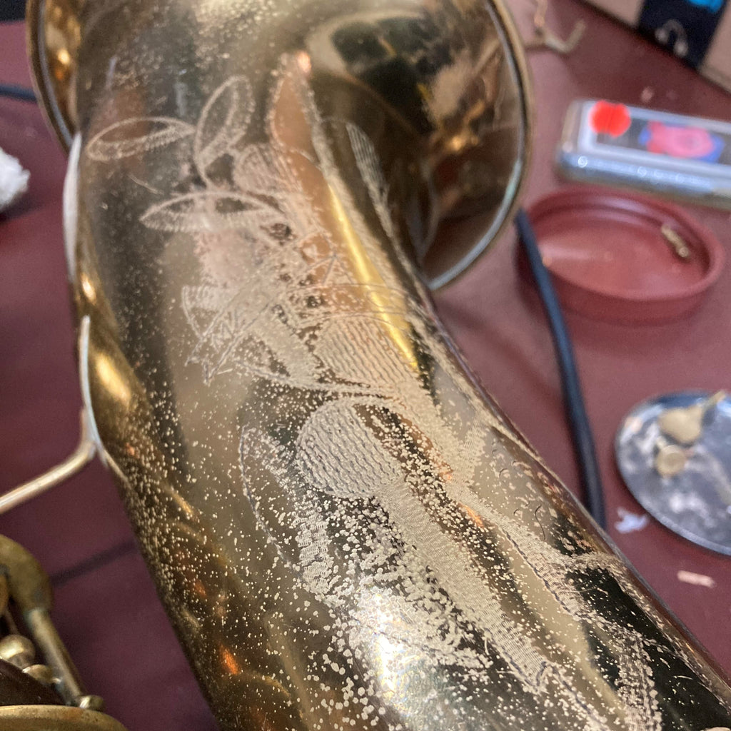What's on Emma's Bench? A Conn 10M Tenor Sax!