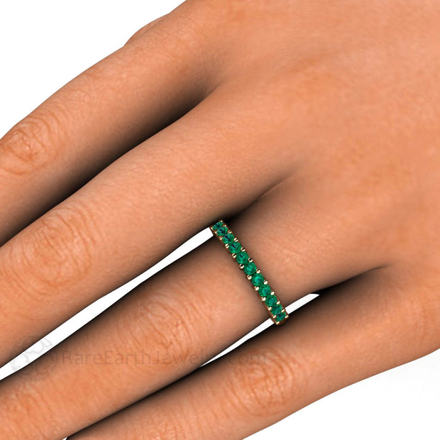 Round Cut Natural Green Emerald Ring on Finger Stacking Band Rare Earth Jewelry
