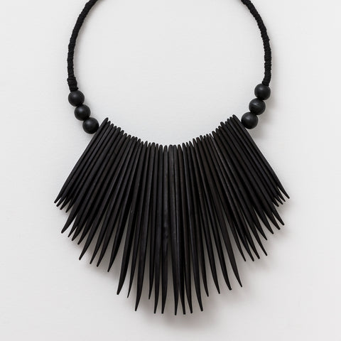 Beaded Tassel with Shell - Black