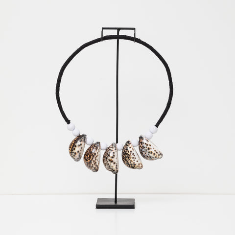 Cowrie Shell Necklace With Stand - Leopard