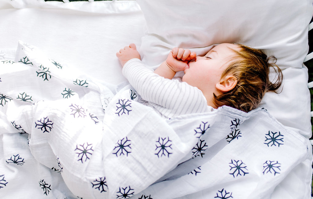 Organic Cotton Muslin Swaddle - Snowflakes