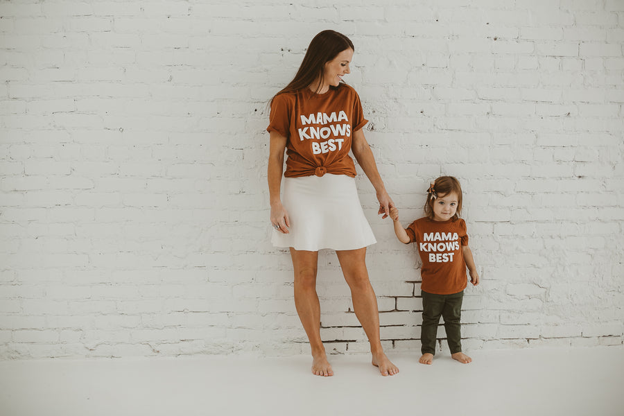 Made in the USA | Mama Knows Best Unisex S/S Crewneck Tee - Sunburn