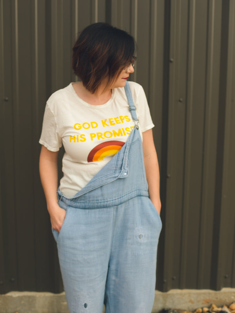 Load image into Gallery viewer, Women's God keeps His Promises Crewneck Tee