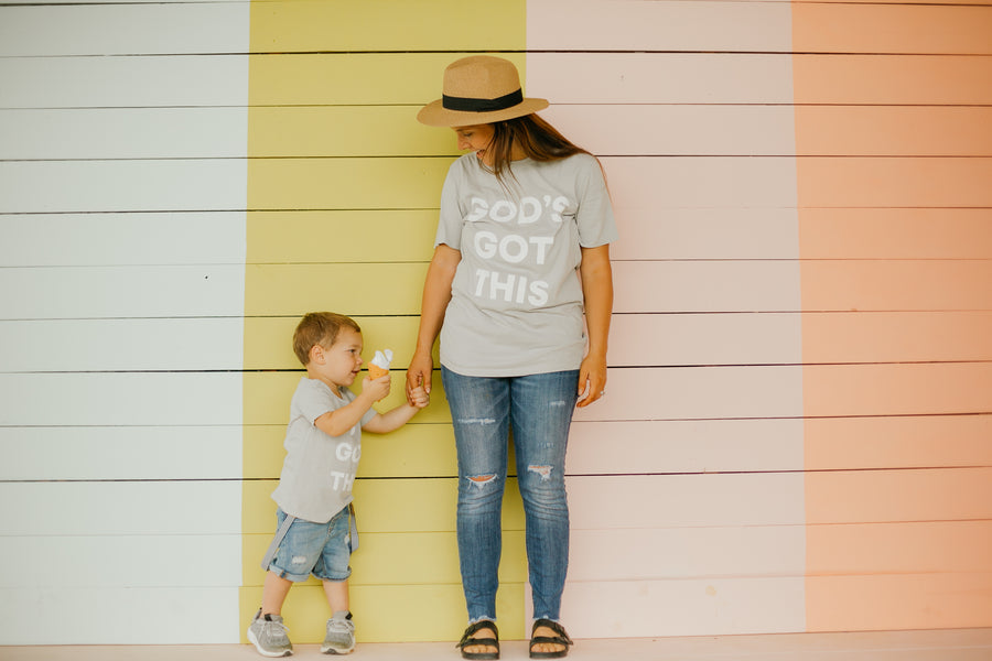 '-  TEE FOR A CAUSE -  God's Got this Kid's Scoop Neck Tee -  Light Gray