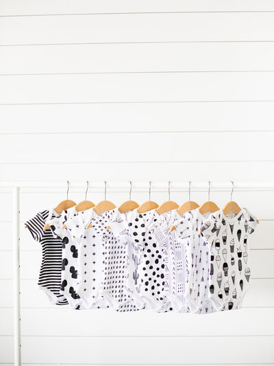 Organice Short Sleeve Bodysuit - SIGNATURE PRINTS