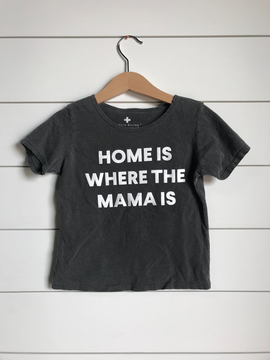 Home is where the mama is Kids Scoop Neck Tee ☆ Charcoal
