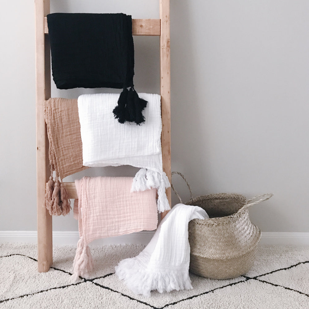 Load image into Gallery viewer, Organic Cotton Muslin XL Throw Blanket -   White Tassels