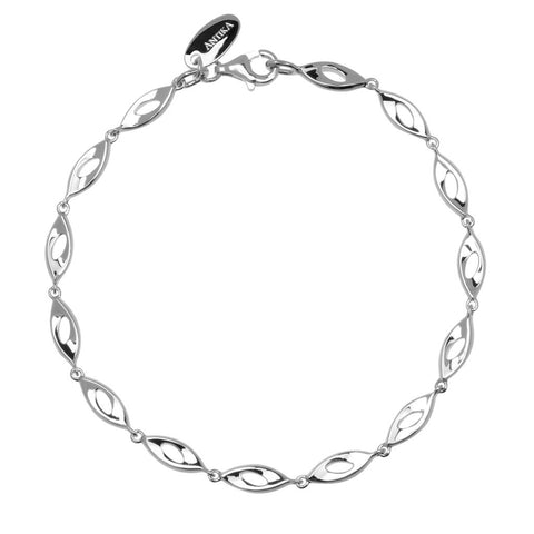 Osa bracelet is a sterling silver bracelet with open, almond-shaped links which are gently concave. The bracelet is 18.5cm long.