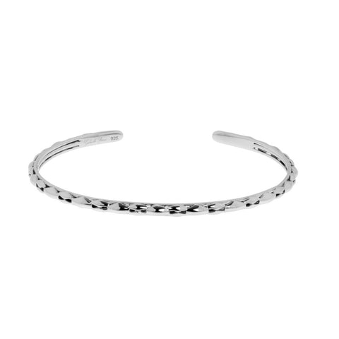 Charlotte bangle is a very fine, sterling silver cuff bangle suitable for a small wrist, ref 7550.