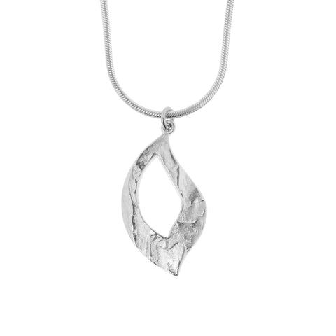 Feuille moyenne pendant is a single open-leaf sterling silver womens pendant with a small bale for a fine chain, 30mm long, on a Giotto chain, ref 6069m.